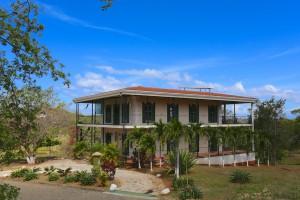 Hemingway House Cacique 021