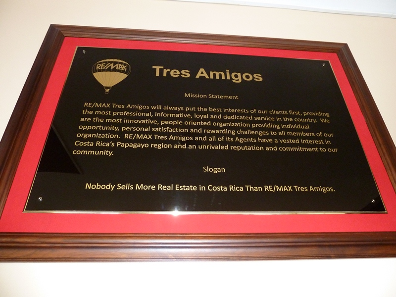 REMAX Tres Amigos Mission Statement