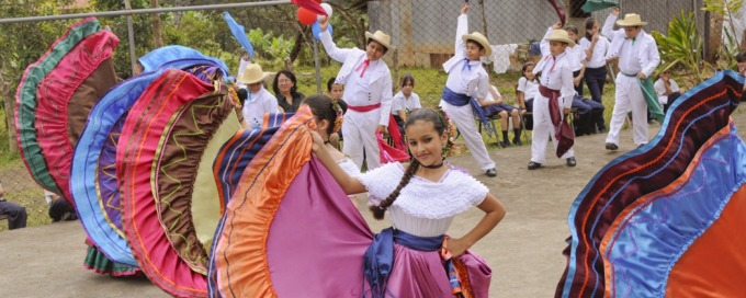 Costa Rican traditional dance costumes 82