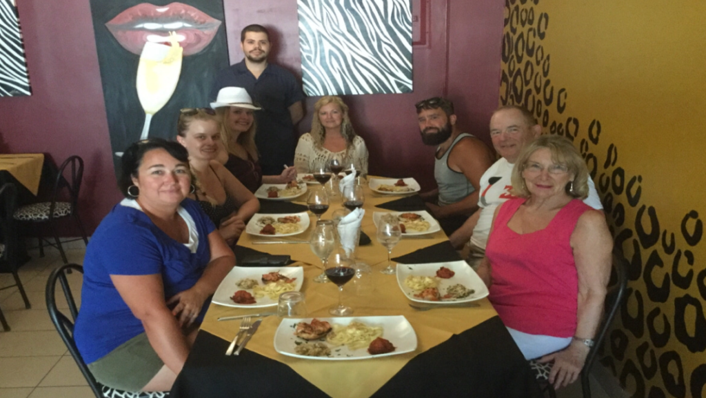 Group of people enjoying the Playas del Coco Culinary Tour