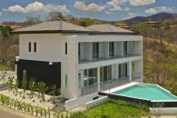 Pacifico Large Vacation Villa Lot 103